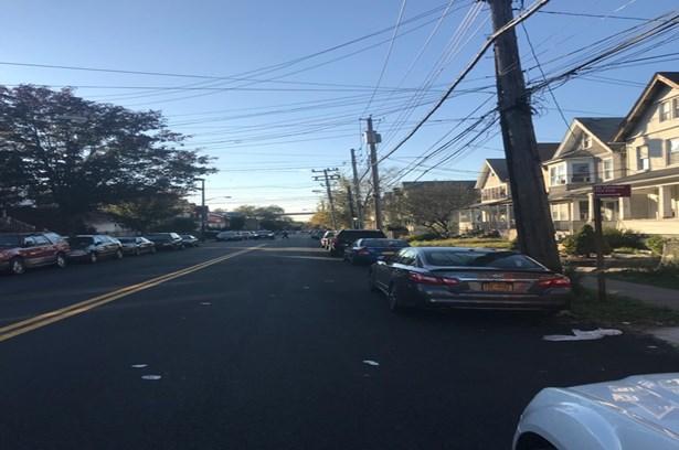 1577 Castleton Avenue, Staten Island, NY - USA (photo 2)