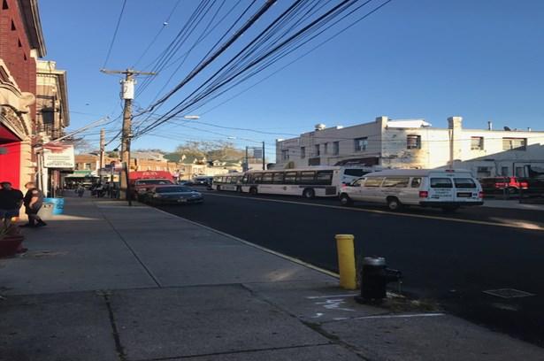 1577 Castleton Avenue, Staten Island, NY - USA (photo 3)
