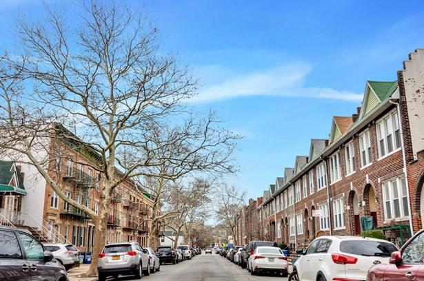 228 Senatore Street 2, Brooklyn, NY - USA (photo 1)