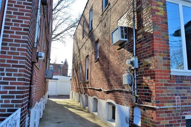 2022 East 35th Street, Brooklyn, NY - USA (photo 2)