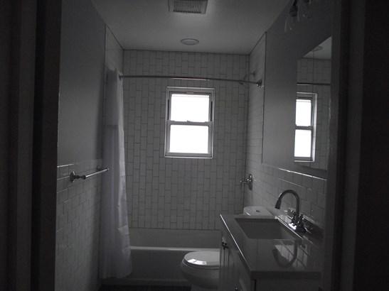 135 Meserole Street 2, Brooklyn, NY - USA (photo 1)