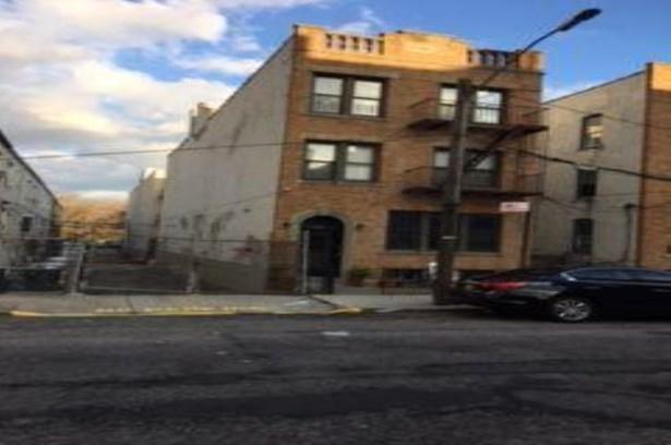 2761 East 15th Street, Brooklyn, NY - USA (photo 2)