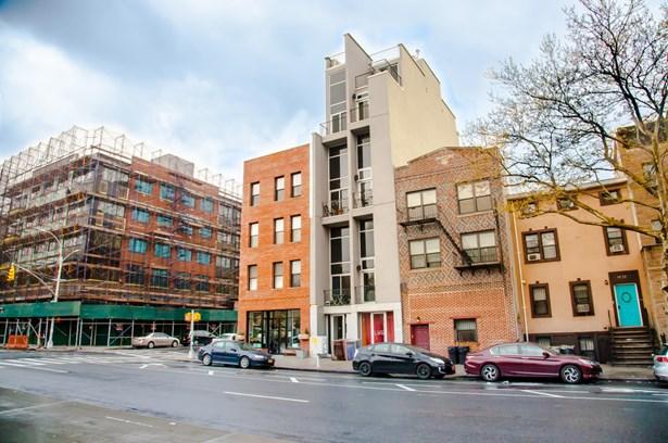 1054 Bedford Avenue, Brooklyn, NY - USA (photo 3)