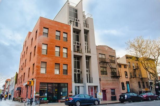 1054 Bedford Avenue, Brooklyn, NY - USA (photo 4)