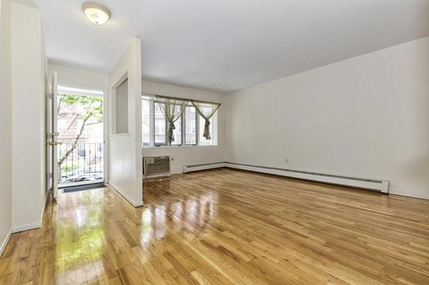 46 92 Street, Brooklyn, NY - USA (photo 4)
