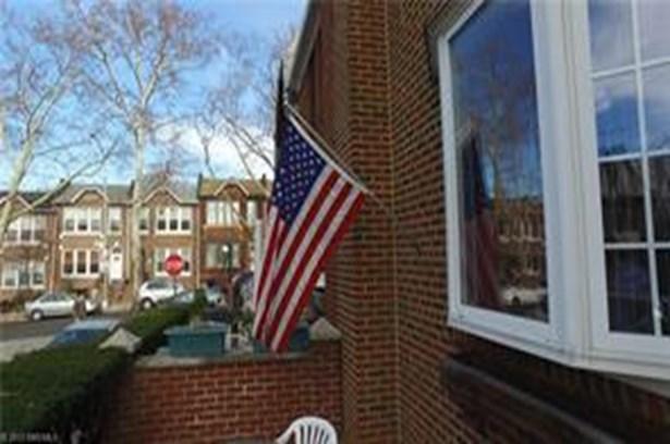 7005 Louise Terrace, Brooklyn, NY - USA (photo 2)