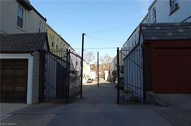 7005 Louise Terrace, Brooklyn, NY - USA (photo 5)