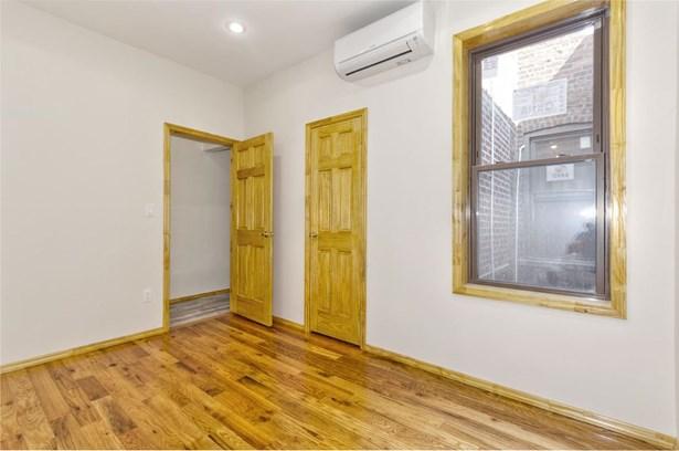 512 Marion Street 1b, Brooklyn, NY - USA (photo 3)