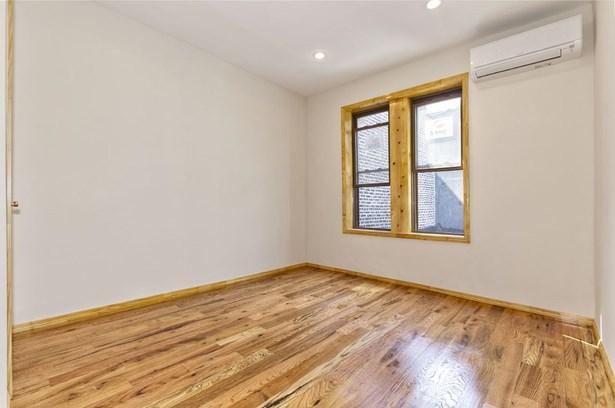 512 Marion Street 1b, Brooklyn, NY - USA (photo 4)