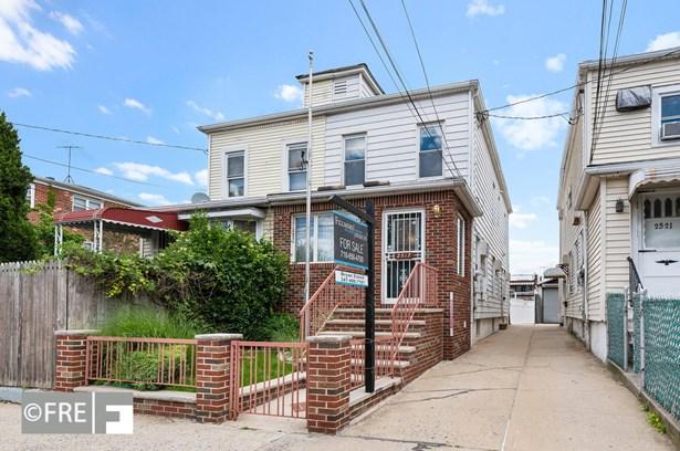 2517 West St, Brooklyn, NY - USA (photo 1)