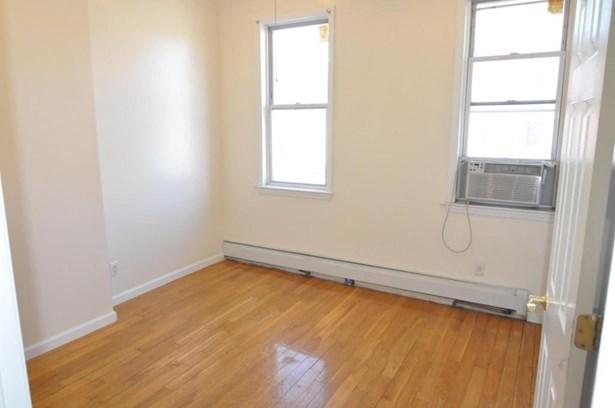 496 Grand Street 2, Brooklyn, NY - USA (photo 2)
