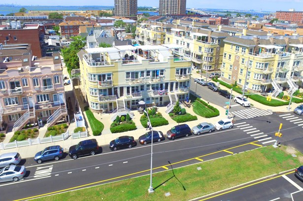 101-06 Shore Front Parkway 24a, Far Rockaway, NY - USA (photo 5)