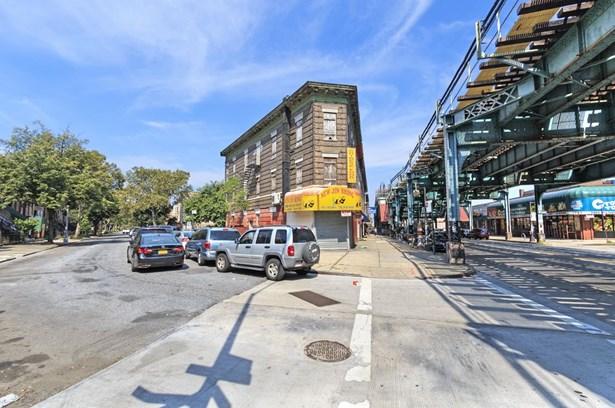 512 Marion Street, Brooklyn, NY - USA (photo 3)