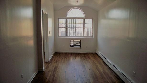 994 Halsey  Street, Brooklyn, NY - USA (photo 3)
