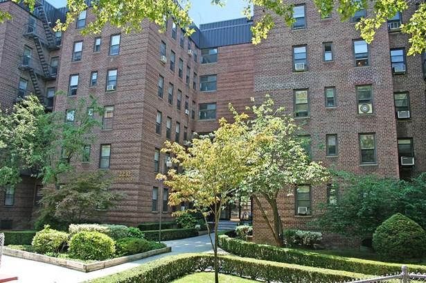 2232 Brigham Street 6a, Brooklyn, NY - USA (photo 1)