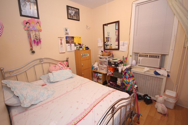 1577 Castleton Avenue #1, Staten Island, NY - USA (photo 4)