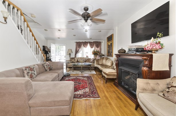 2050 Bay Ridge Pkwy, Brooklyn, NY - USA (photo 3)