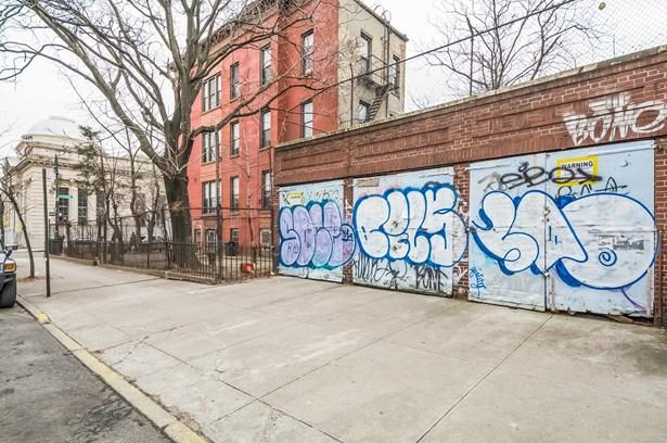 12 Stuyvesant Ave, Brooklyn, NY - USA (photo 3)