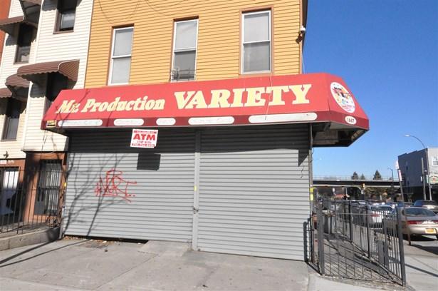 1647 Pacific Street 1, Brooklyn, NY - USA (photo 1)