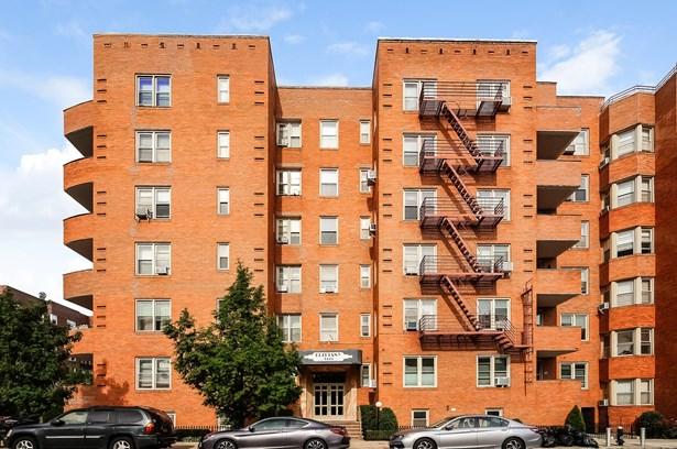 9425 Shore Road 2d, Brooklyn, NY - USA (photo 1)