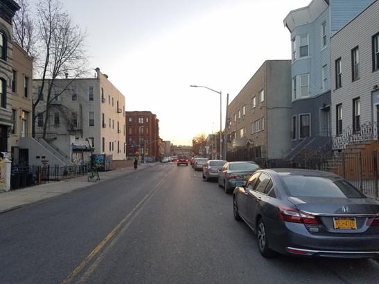1043 Halsey Street, Brooklyn, NY - USA (photo 5)