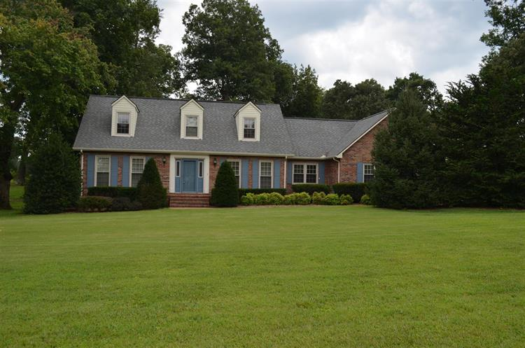 1729 Country Club Dr, Tullahoma, TN - USA (photo 2)