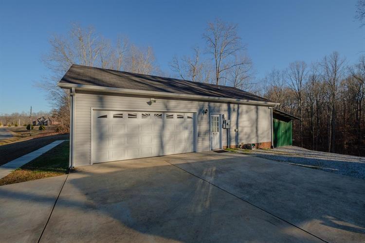 300 Caldwell Drive, Estill Springs, TN - USA (photo 2)