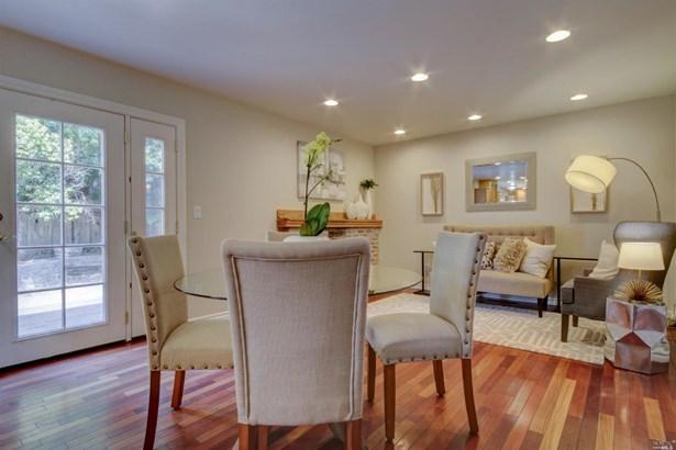 Single Family Residence, Traditional - Santa Rosa, CA