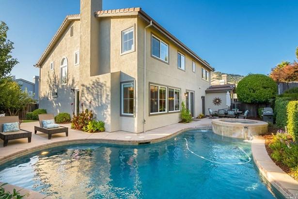 Single Family Residence, Traditional - Novato, CA