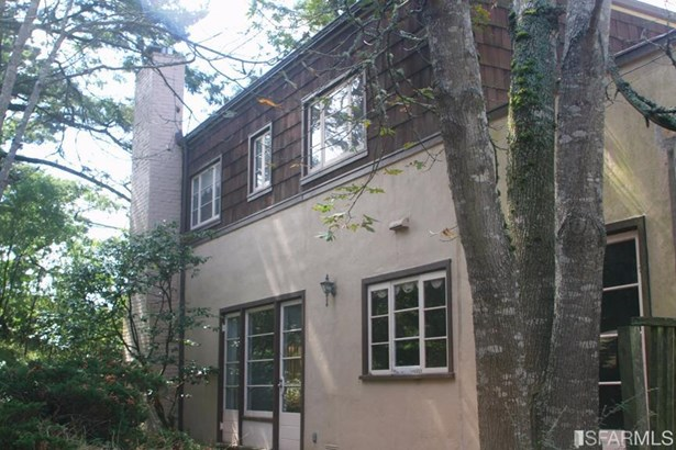 Detached,2 Story,Single-family Homes, Traditional - Berkeley, CA (photo 5)