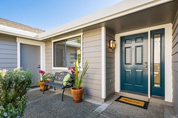 Contemporary, Condo/Coop - Greenbrae, CA (photo 4)