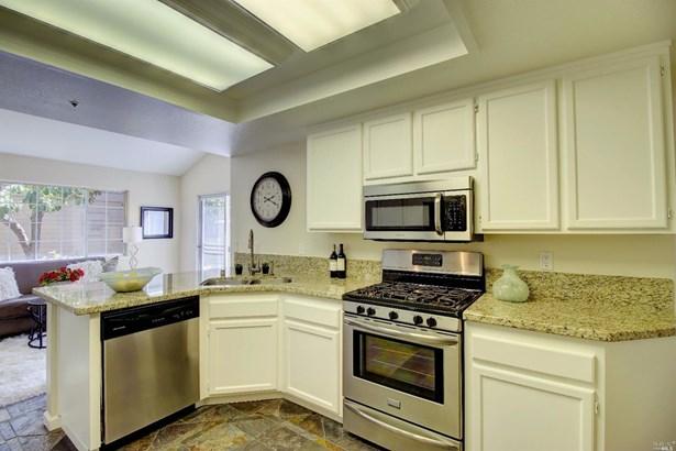 Single Family Residence, Traditional - Novato, CA (photo 2)