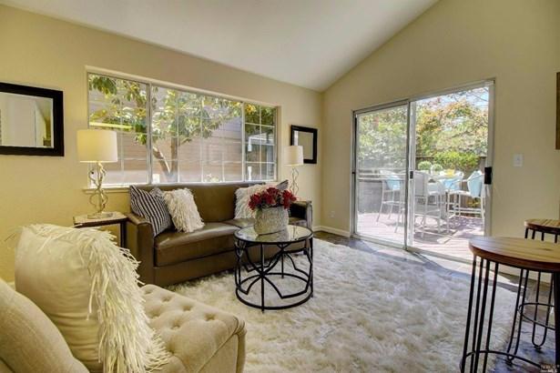 Single Family Residence, Traditional - Novato, CA (photo 3)