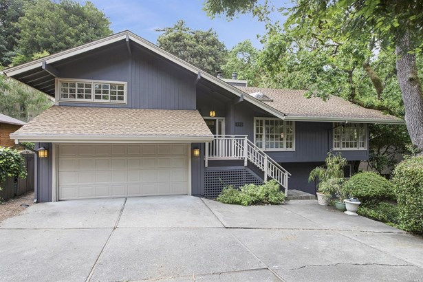 Single Family Residence, Traditional - Greenbrae, CA