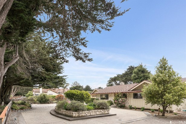 Detached,1 Story,Single-family Homes, Ranch - Half Moon Bay, CA (photo 3)