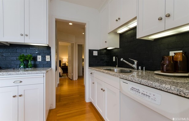 Contemporary, Semi-attached,2 Story,Single-family Homes - San Francisco, CA (photo 4)