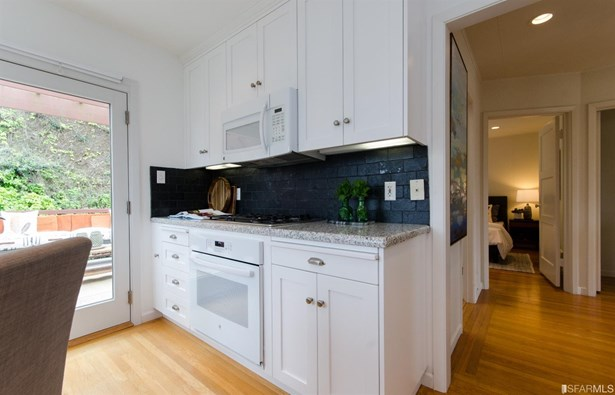 Contemporary, Semi-attached,2 Story,Single-family Homes - San Francisco, CA (photo 5)