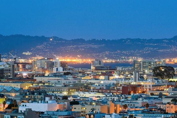 Modern/High Tech, Single-family Homes - San Francisco, CA (photo 1)