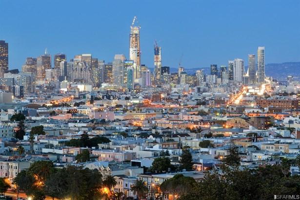 Modern/High Tech, Single-family Homes - San Francisco, CA (photo 3)