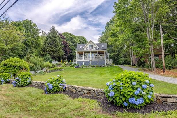 Single Family Residence, Cottage - Portland, ME