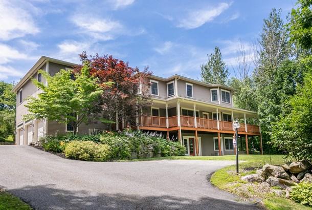 Single Family Residence, Colonial - Auburn, ME
