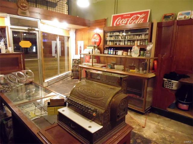 Historic,Loft, Residential - Jerseyville, IL (photo 3)
