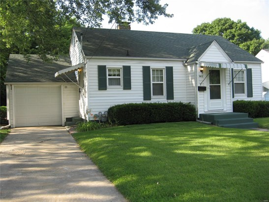 Traditional,Bungalow / Cottage, Residential - Alton, IL (photo 2)