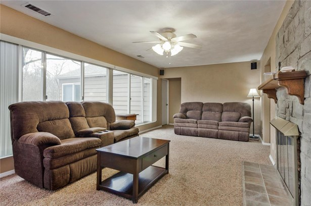 Residential, Ranch - East Alton, IL (photo 4)