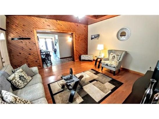 Bungalow / Cottage, Residential - Roxana, IL (photo 3)