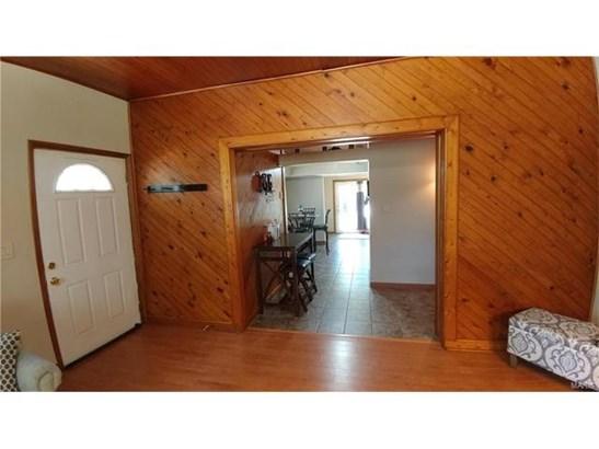 Bungalow / Cottage, Residential - Roxana, IL (photo 4)