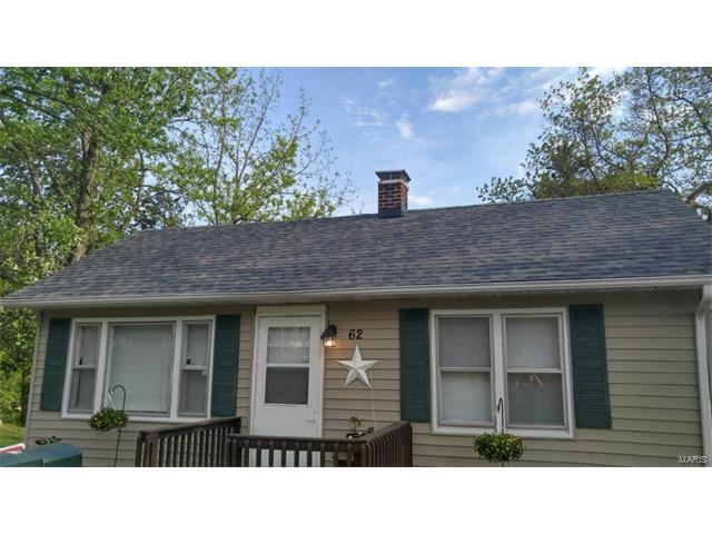 Bungalow / Cottage, Residential - Belleville, IL (photo 1)