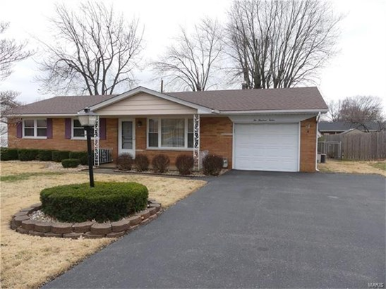 Residential, Traditional,Ranch - Fairview Heights, IL (photo 1)