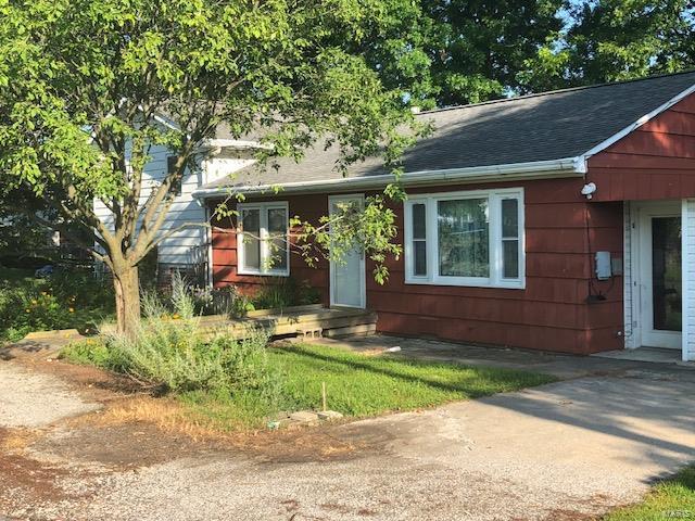 Residential, Traditional,Tri-level - Bethalto, IL (photo 2)