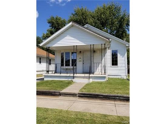 Bungalow / Cottage, Residential - East Alton, IL (photo 1)